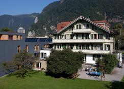 Backpackers Villa Sonnenhof - Hostel - Interlaken - Toà nhà