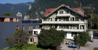 Backpackers Villa Sonnenhof - Hostel Interlaken - Entrelagos - Edificio
