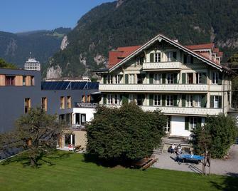 Backpackers Villa Sonnenhof - Hostel - Interlaken - Gebäude