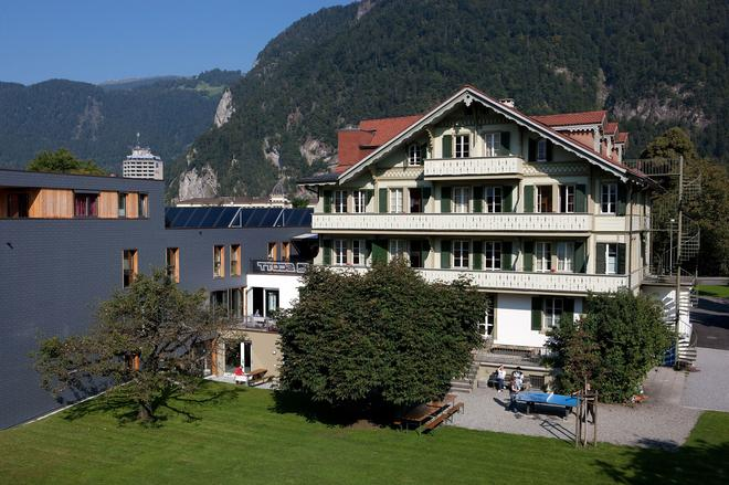 Backpackers Villa Sonnenhof - Hostel - Interlaken - Building