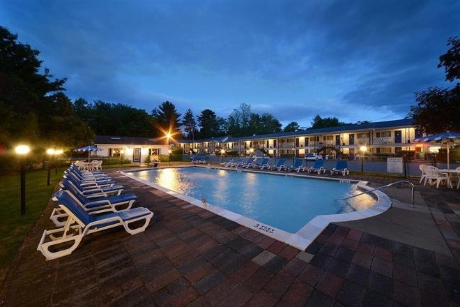 Saratoga Turf And Spa - Saratoga Springs - Pool