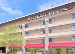 Baymont by Wyndham Flint - Flint - Rakennus