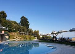 Domina Borgo degli Ulivi - Lake Garda - Gardone Riviera - Piscina
