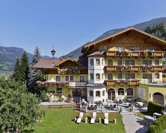 Landhotel Untermüllnergut - Dorfgastein - Building