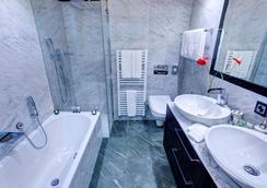 Sport & Wellness Hotel San Gian St Moritz - Σεν Μόριτζ - Μπάνιο
