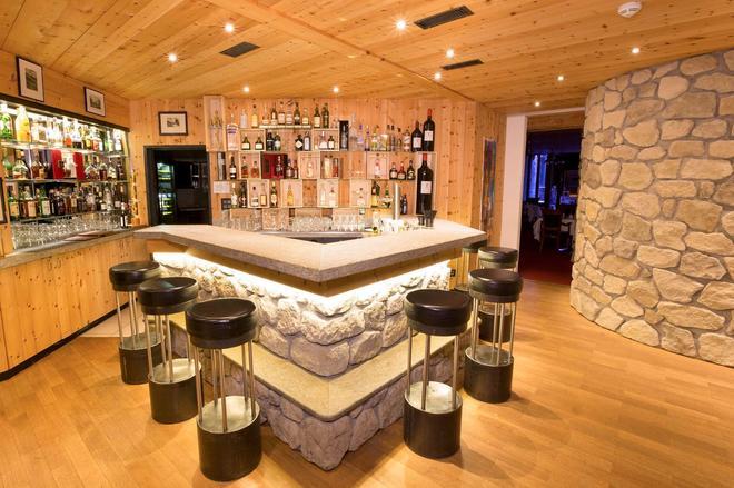 聖吉安酒店 - 聖莫里茲 - 聖莫里茨 - 酒吧