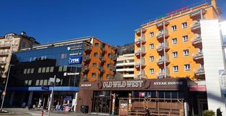 Hotel Garni Montaldi - Locarno - Building