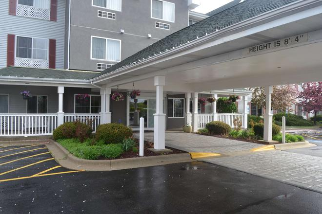 Country Inn & Suites by Radisson, Gurnee, IL - Gurnee - Building