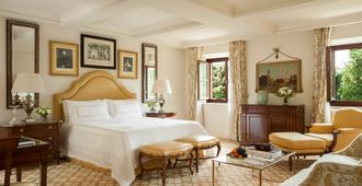 فور سيزونز هوتل فيرينزيه - فلورنس - غرفة نوم