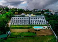 Days Hotel by Wyndham Tagaytay - Tagaytay - Building