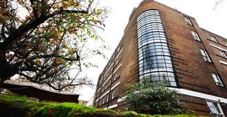 Bowden Court - London - Building