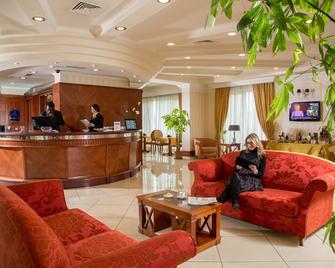 Best Western Hotel Viterbo - Viterbo - Ρεσεψιόν