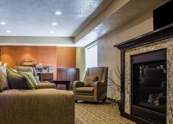 MainStay Suites - Coralville - Wohnzimmer