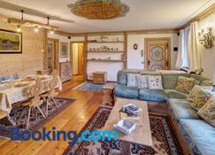 Villa Marianna - Stayincortina - Cortina d'Ampezzo - Living room