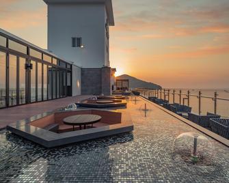 Stubborn Hotel - Geoje - Balkon