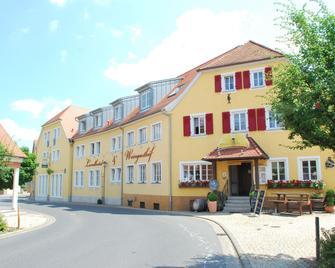 Landhotel & Weingasthof Schwarzer Adler - Abtswind - Gebouw