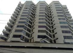 Apartamento Frente al Mar - Santa Marta - Edificio