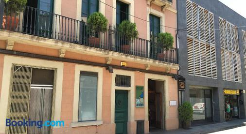 Hotel Calabria - la Garriga - Building