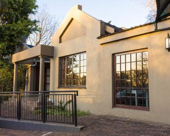 Ruth Avenue Guest House - Edenvale - Building