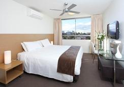 P A Apartments - Brisbane - Bedroom
