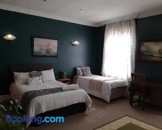 The Guest House - Standerton - Habitación