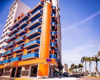 Hotel Candilejas Playa - Veracruz - Gebäude