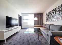 Fourside Plaza Hotel Trier - Trier - Living room