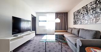 فور سايد بلازا هوتل ترير - تريه - غرفة معيشة