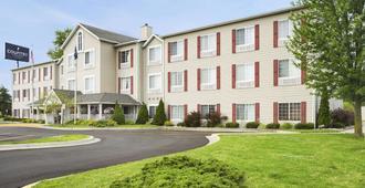Country Inn & Suites by Radisson Grand Rapids Air - Cascade