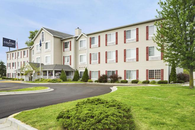 Country Inn & Suites by Radisson Grand Rapids Air - Cascade - Building