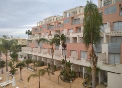 Marina Rey - Vera - Building