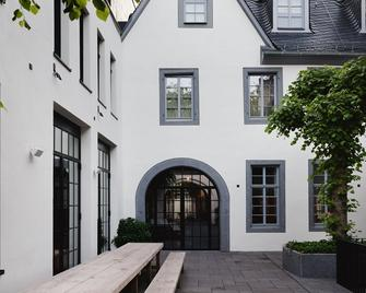 Hotel Purs - Andernach - Building