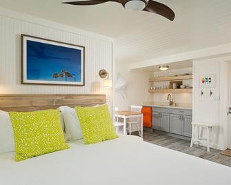 Inn on the Beach - Saint Pete Beach - Bedroom