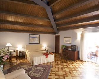 Antico Hotel Roma 1880 - Siracusa - Bedroom