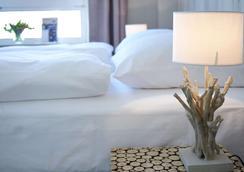 Hotel Liegeplatz 13 Kiel by Premiere Classe - Kiel - Bedroom