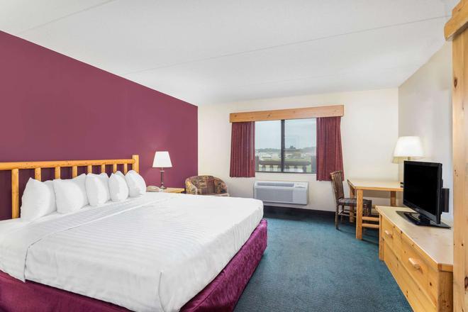 威斯康星戴爾斯美國套房酒店 - 威斯康辛德爾斯 - 威斯康星戴爾 - 臥室