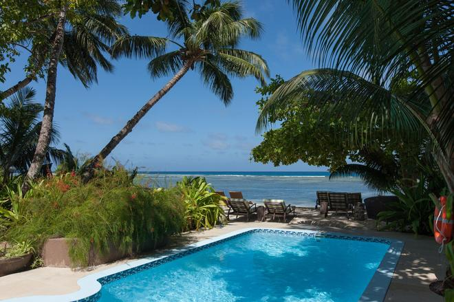Le Repaire - Boutique Hotel & Restaurant - La Digue Island - Pool