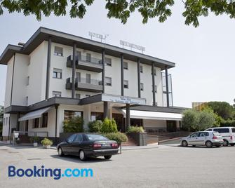 Albergo Ristorante Belvedere - Codroipo - Building