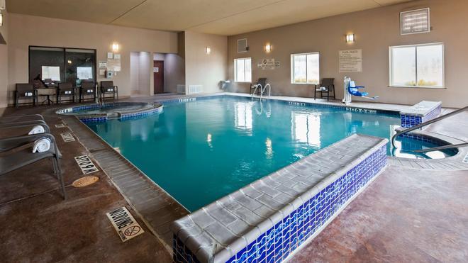 Best Western Granbury Inn & Suites - Granbury - Πισίνα
