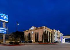 Best Western Granbury Inn & Suites - Granbury - Building