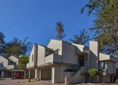 Best Western The Inn & Suites Pacific Grove - Pacific Grove - Edifício