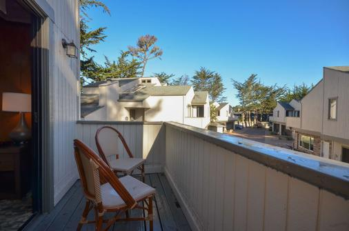 Best Western The Inn & Suites Pacific Grove - Pacific Grove - Balcony