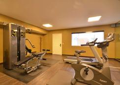 Best Western The Inn & Suites Pacific Grove - Pacific Grove - Gym