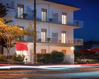 Minturnae Hotel - Minturno - Gebäude