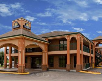 Days Inn by Wyndham Franklin - Franklin - Gebäude