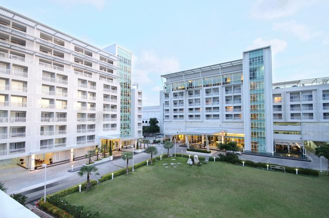 Kameo Grand Rayong Hotel & Serviced Apartments - Rayong - Building