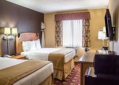 Quality Inn Hall of Fame - Canton - Bedroom