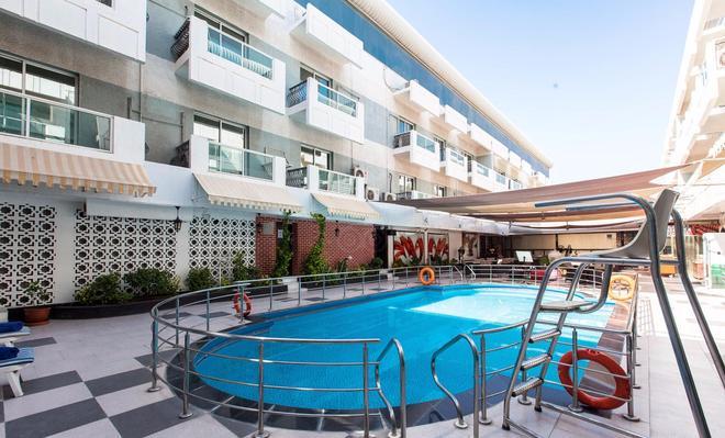 Fortune Karama Hotel - Dubai - Pool