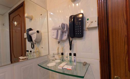 卡拉馬財富酒店 - 杜拜 - 浴室