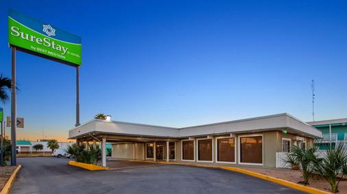 SureStay Hotel by Best Western Laredo - Laredo - Building
